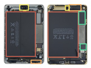 binnenkant van de iPad mini 3 links en de iPad mini 4 rechts.