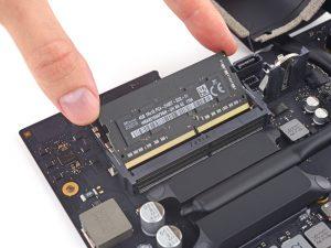 2017 21,5 inch iMac RAM vervangen