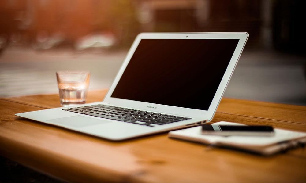 MacBook Air (Foto: Pixabay)