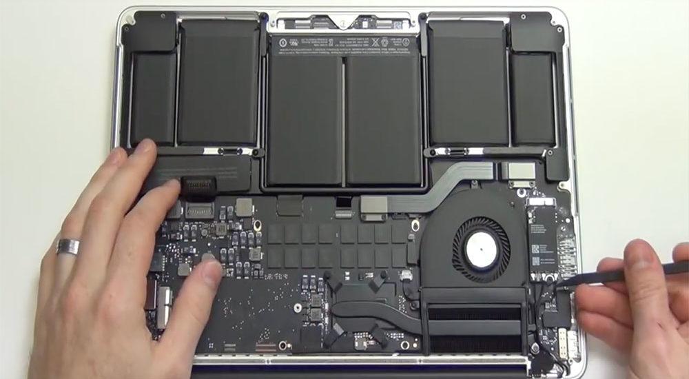 Reparatiestop Retina MacBook Pro 2012 (Foto: YouTube)
